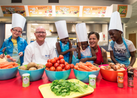 'Meals & More' Becomes a Charity to end Holiday Hunger